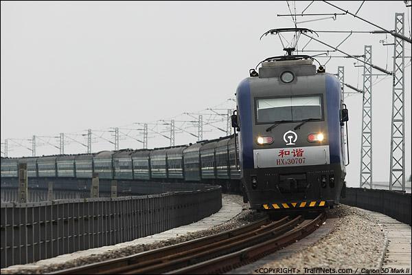 2010年2月18日。广东江村。HXD3牵引临客北上。(IMG-6810-100218)
