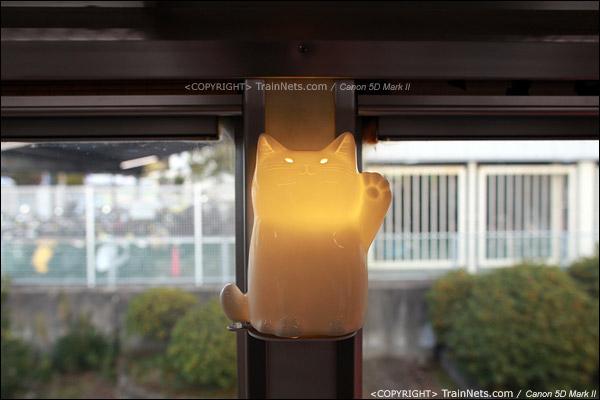"""""""阿玉电车"""",车壁上的猫造型灯。(IMG-4080-120130)"""
