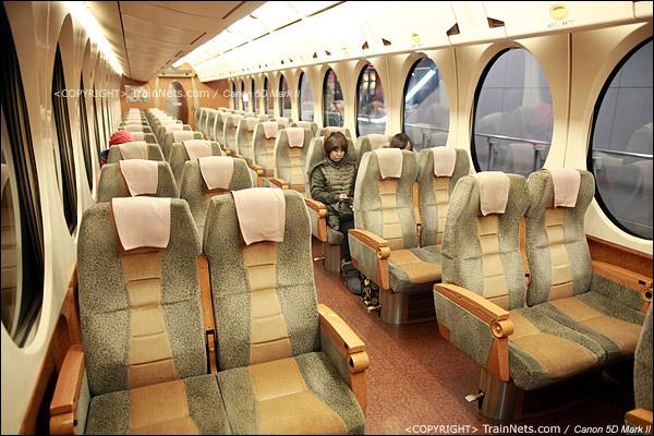 关西机场。Rapi:t特急。二等车2+2坐席。(IMG-4538-120130)