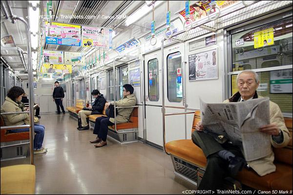 大阪地铁中央线。车厢内部。(IMG-4679-120131)