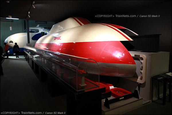 第一展厅,磁悬浮列车ML500。(IMG-5087-120131)
