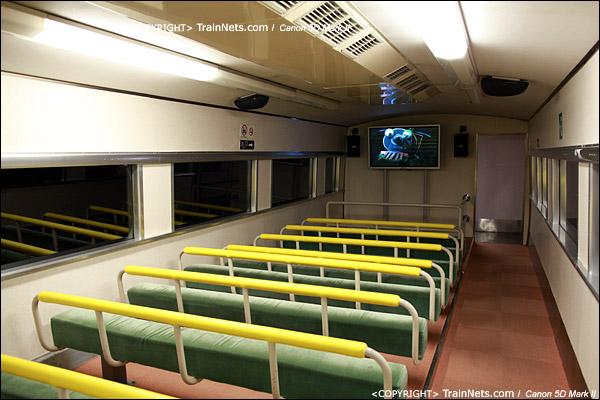 第一展厅。新干线,日本第一列0系新干线实物,控制车被改成了观影室。(IMG-5258-120131)
