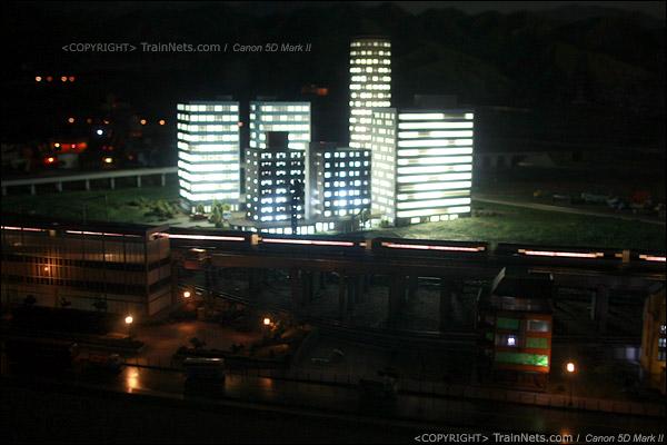 铁路模型室。夜幕降临。(IMG-5412-120131)