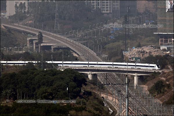 2013年12月2日。深圳北站,列车出库跨越广深港高铁。(IMG-8964-131202)