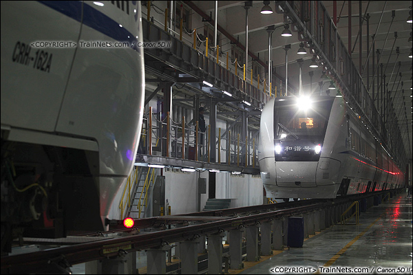 2014年1月17日。深圳动车所。第四列CRH1入库。(IMG-1218-140117)