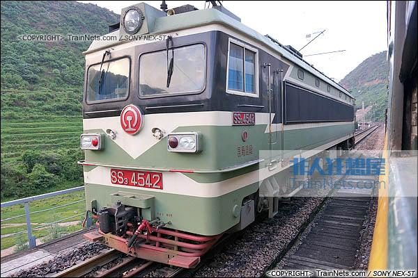 2014年7月。成昆线。配属昆局昆段的SS3型电力机车。(图/火车仔/DSC02236-140719)