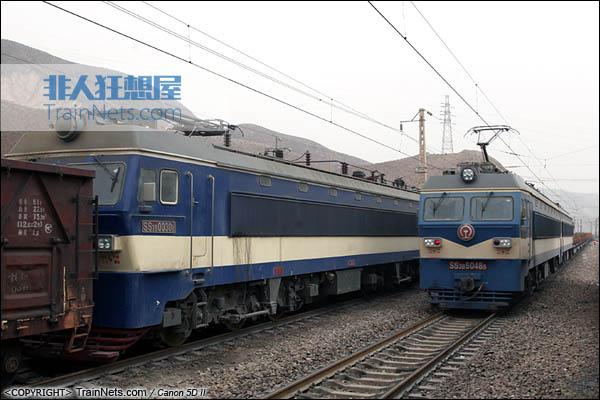 2014年2月13日。SS3B行驶在甘肃省包兰铁路。(图/火车仔/IMG-7388-140213)