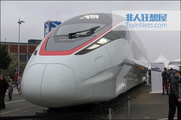 2010年9月25日,德国柏林轨道交通技术展,庞巴迪首次展出ZEFIRO 380列车。(图片:Björn König/Wikipedia)