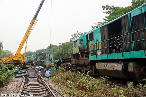 2014年6月。南京东拆解线,ND5排成一列等待拆解。