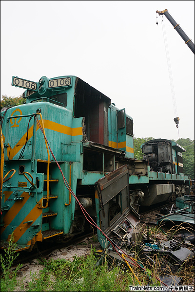 2014年6月。南京东拆解线,被开膛破肚的ND5。