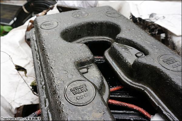 2014年6月。南京东拆解线,已拆下的ND5柴油机零件。