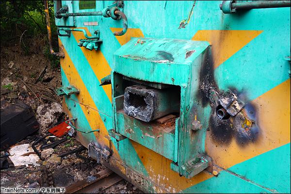 2014年6月。南京东拆解线,车钩已被拆下。