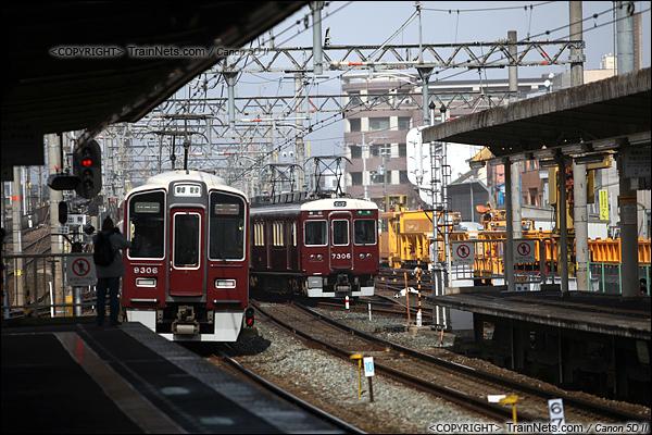 2012年2月2日。日本京都。阪急岚山线列车。(IMG-6534-120202)