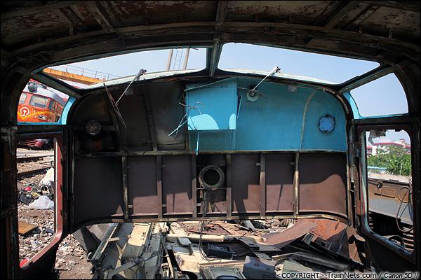 2014年8月31日。韶关机务段。 SS1-0798的被切割下来的驾驶室外框。(IMG-9473-140831)