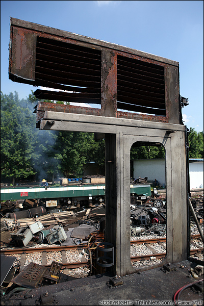 2014年8月31日。韶关机务段。 仍未被切割的驾驶室框架。(IMG-9359-140831)
