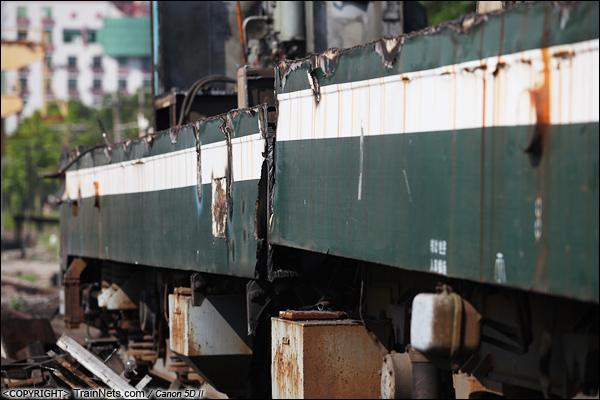 2014年8月31日。韶关机务段。 SS1-0711的底盘从中被切断。(IMG-9518-140831)