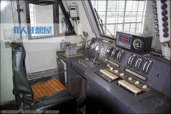 火车内部结构_非人狂想屋 | 你的火车发源地 » DF4CK型内燃机车