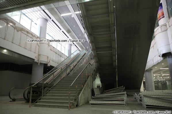 2015年10月30日。深圳福田。广深港高铁福田站,地下二层,候车厅。(IMG-0280-151030)
