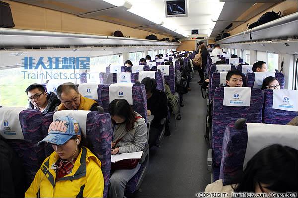2013年12月28日。运行于厦深铁路的南昌局CRH2A统型车。二等车。(IMG-6912-131228)
