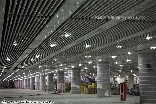 2014年12月29日。深圳福田站。地下一层,交通换乘层。(IMG-9731-141229)