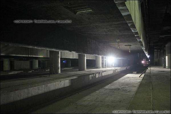 2014年12月29日。深圳福田站。地下三层,月台。(IMG-9756-141229)