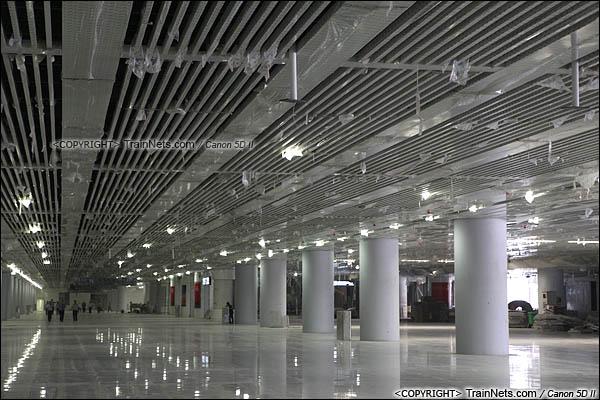 2015年10月30日。深圳福田。广深港高铁福田站,地下一层大厅。(IMG-9906-151030)