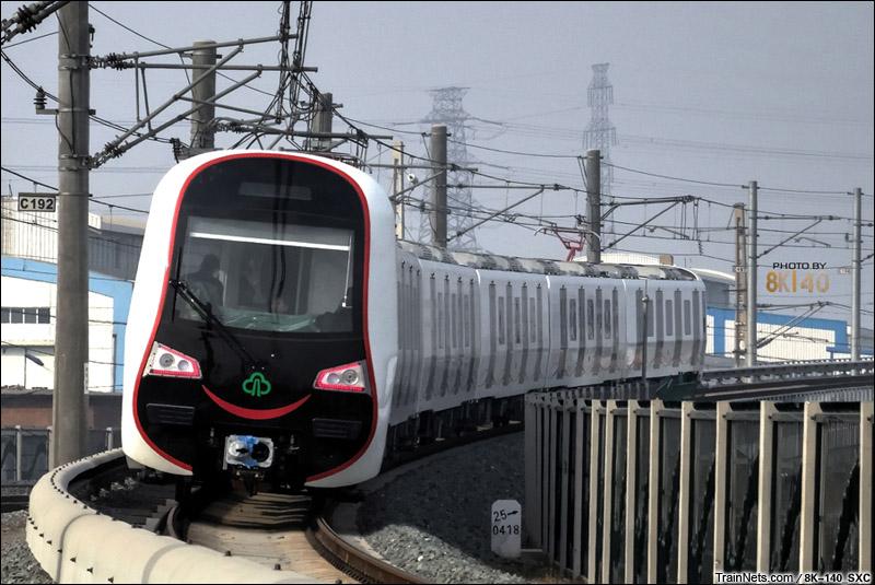 """2015年1月。北京环铁。福州地铁""""微笑列车""""试运行。"""