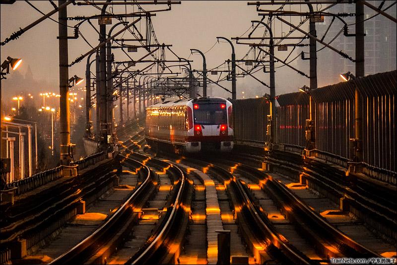 2015年1月8日。南京地铁二号线。(图/姜南@宁东的狮子)