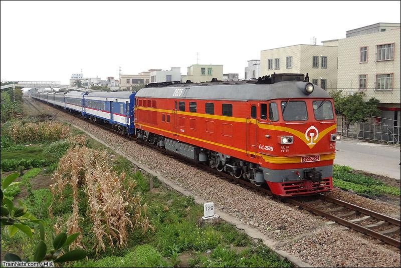 2015年2月23日,汕头陈厝寨。DF4B牵引25Z担当K9190次,汕头-梅州。