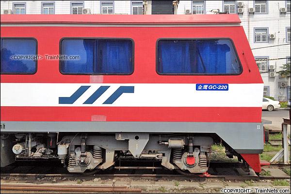 2015年4月。武汉桥工段的GC220型金鹰轨道车。(IMG-0511-150417)