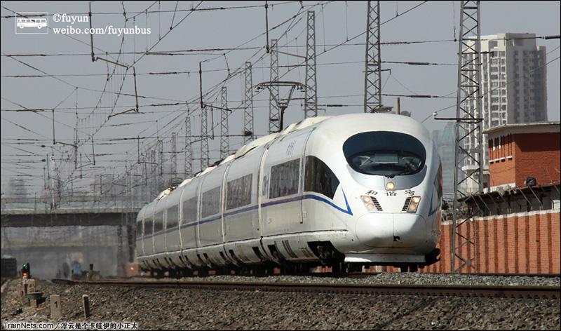 2015年3月21日。天津中山门,CRH3C执行城际列车。