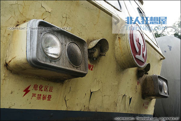 2014年7月18日。配属成局西段的SS4型电力机车。(DSC02089-140718)