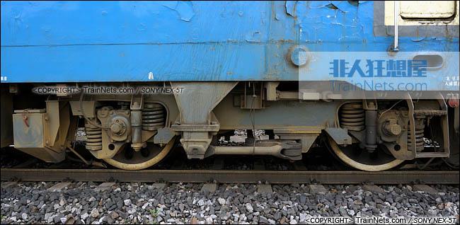 2014年7月18日。配属成局西段的SS4型电力机车。转向架。(DSC02092-140718)