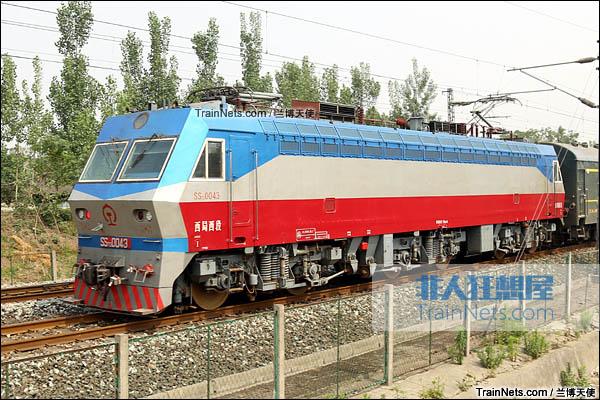 2015年5月。宝成线。配属西局西段的SS7D型电力机车。(图/兰博天使)
