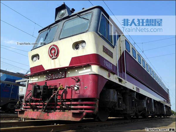 2015年4月。配属宁局邕段的SS7型电力机车。采用SS7C涂装,该车为SS7C研发期间的验证车。(图/肥槟)