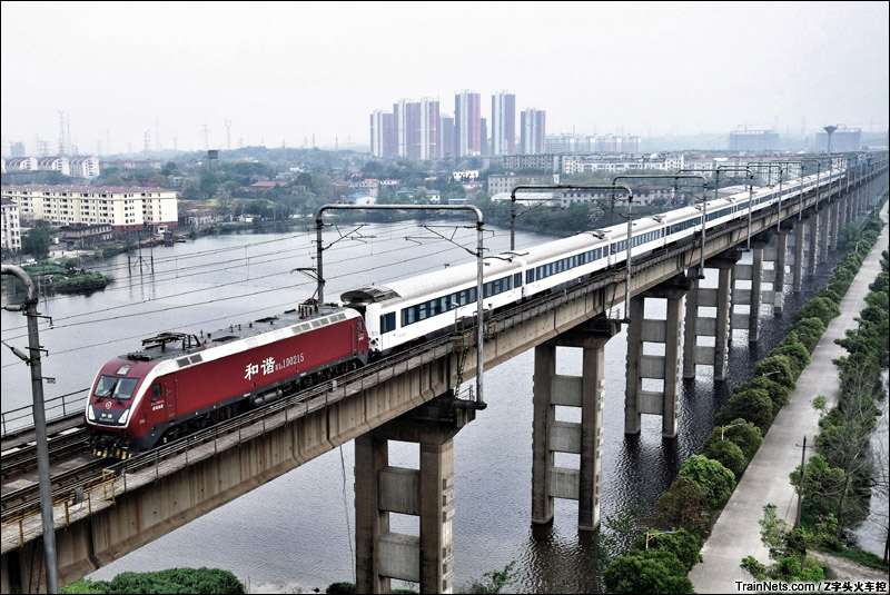 大桥的一日十次_非人狂想屋 | 你的火车发源地 » Z104次通过九江长江大桥