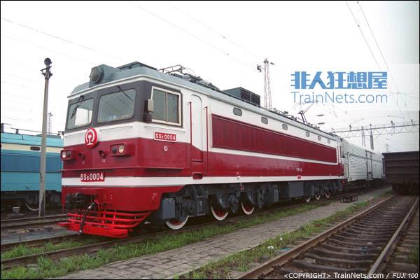 郑州。SS6型电力机车。(图/火车仔/P7307)