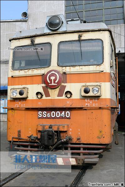 2011年9月。配属郑州铁路局的SS6型电力机车。(图/Mr-蕉)