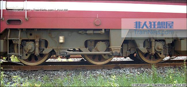 2007年。广东韶关。配属广铁株段的SS6B型电力机车。转向架。(图/火车仔/P0509)
