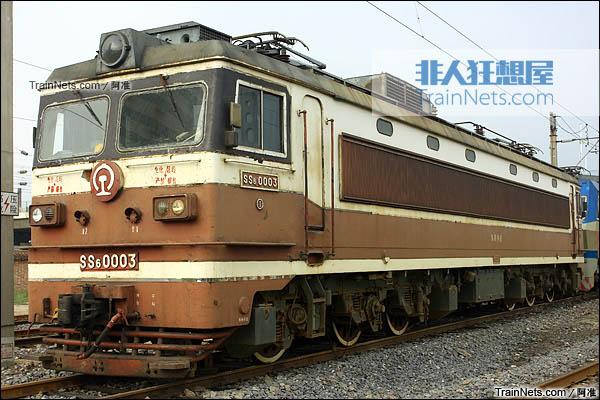 2011年9月。洛阳折返段。SS6型电力机车。(图/阿准)