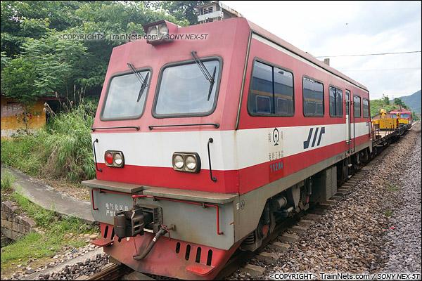 2014年5月。赣龙线。金鹰GC-270型轨道车。(DSC00970-140524)