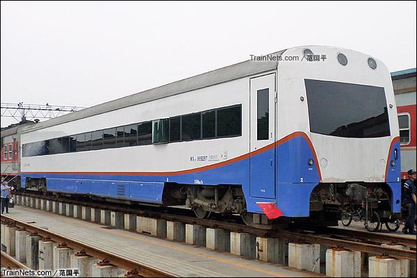 2014年4月。广州机务段。配属广铁广段的WX25T型轨检车(160km/h)。(图/范国平)