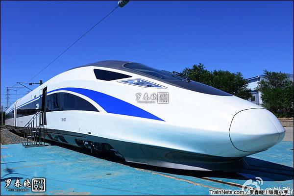 2015年6月30日。北京。四方厂生产的中国标准动车组,编号CRH-0207。(图/罗春晓)