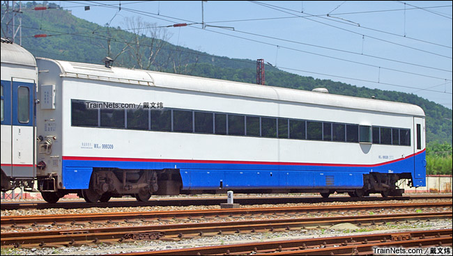 2015年5月。广东韶关。配属广铁广段的WX25T(200km/h)轨道检查车。(图/戴文炜)