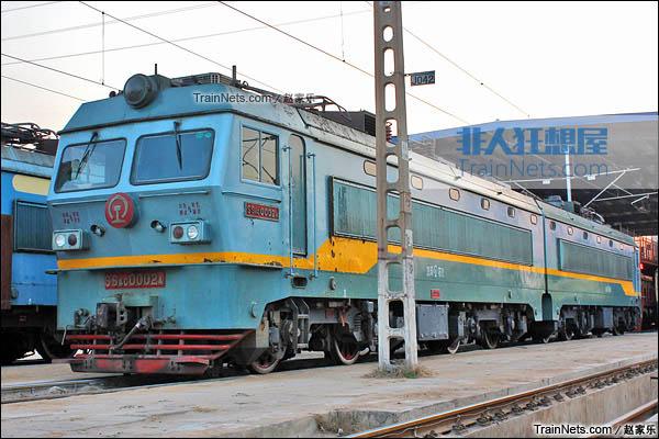 2014年4月。配属于京局石段的SS4C型电力机车。(图/赵家乐)