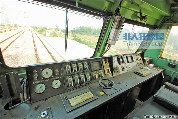 2015年7月。配属于京局石段的SS4C型电力机车。驾驶室。(图/赵家乐)
