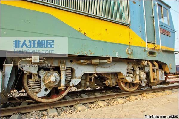 2015年7月。配属于京局石段的SS4C型电力机车。转向架。(图/赵家乐)