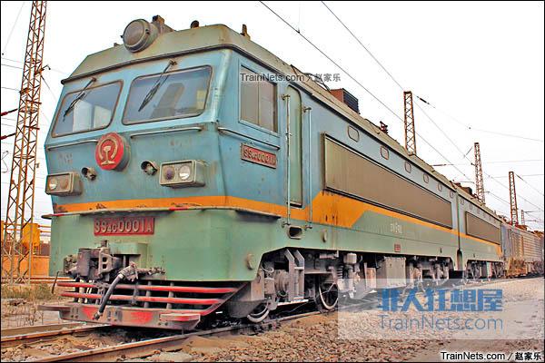 2014年1月。配属于京局石段的SS4C型电力机车。(图/赵家乐)