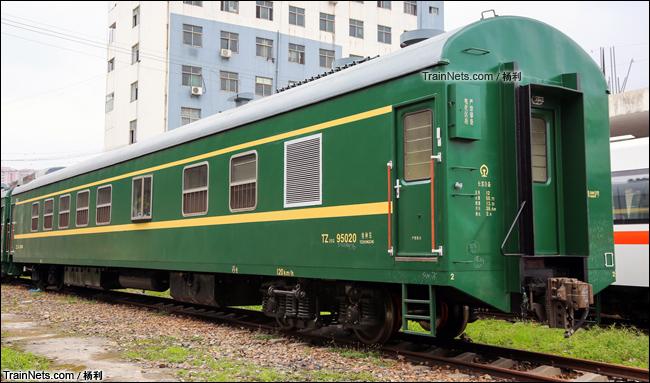 2015年5月。广东深圳。配属长客厂的TZ25G型特种客车。(图/杨利)