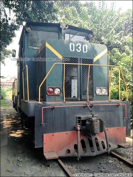 2012年8月。广州钢铁厂。JMY380型内燃机车。(IMG-6239-130810)